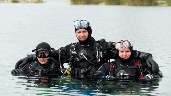 Potápění v suchém obleku