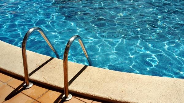 Zkušební ponor v bazénu